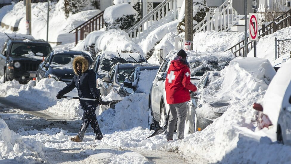US shivers amid record-breaking low temperatures