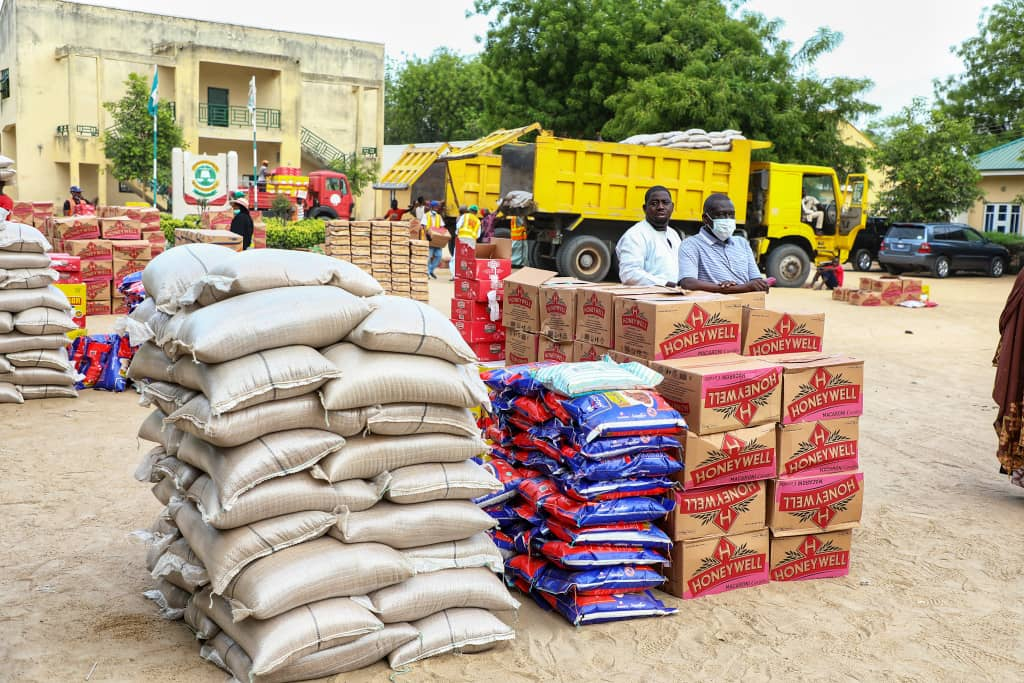 Lockdown: Borno Relief Committee Delivers Food to 4,000 Residents of Mafoni and Bulabulin