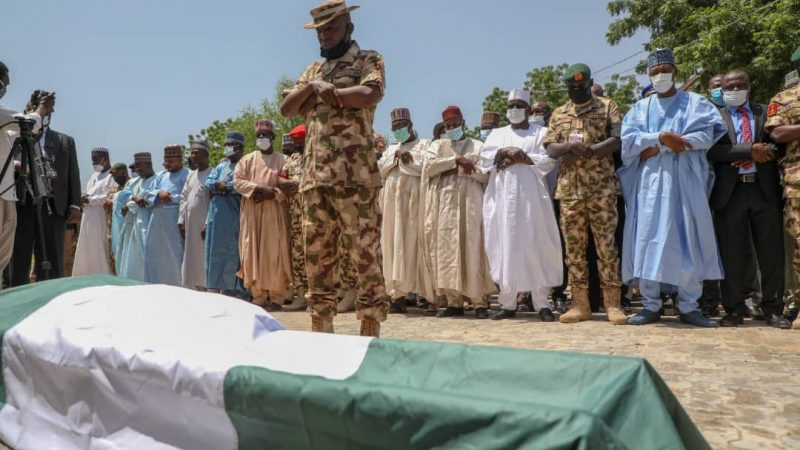 Nigeria: Zulum donates house, N20m to late Army Commander's widow, orphans
